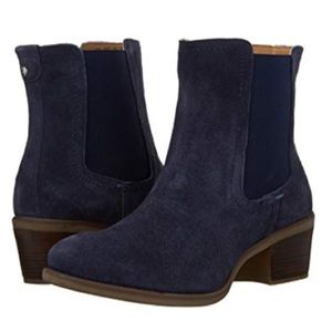 🐶Hush Puppies Suede Padded Footbed Ankle Boots🐶